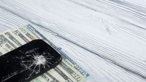 How To Fix A Cracked Phone Screen 1