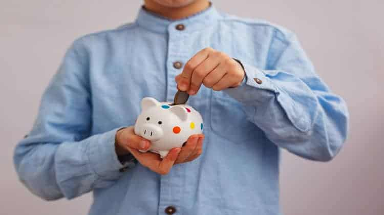 51 Easy Ways For Kids To Make Money Fast | Compounding Pennies
